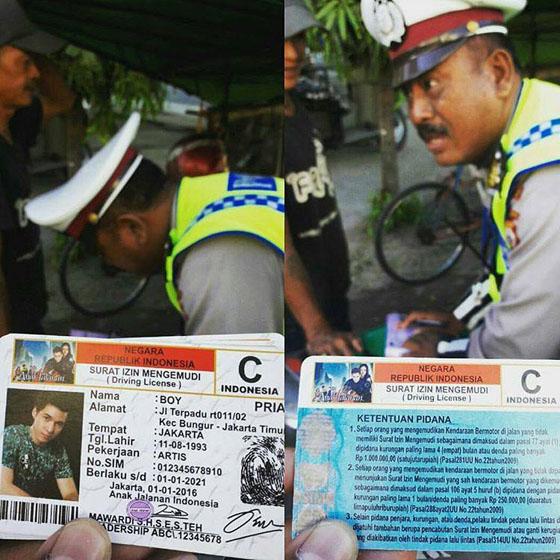 Tilang Pengendara Motor di Makassar, Polisi Kaget Lihat SIM Orang Yang Ditilang