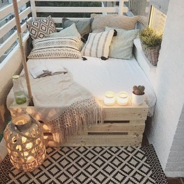 Ideas For Decorating Small Balconies 9