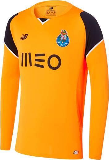 f0df7d8a2 Este equipamento vai estar disponível para venda nas FC Porto Stores a  partir do dia 21 de junho.» - Logo ainda a tempo de aparecerem na noite de  São João
