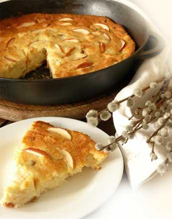Как приготовить творожную запеканку с яблоками и манкой