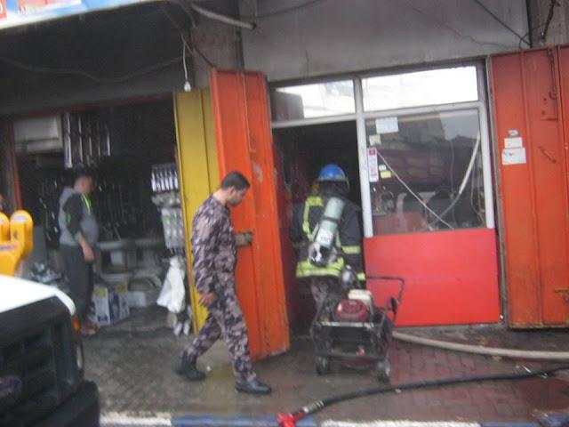 السيطرة على حريق محل تجاري وسط مدينة جنين