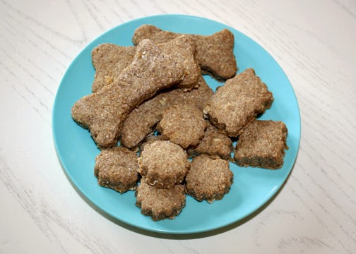 A plate of Tessa's scrumptious oatmeal, peanut butter and banana dog treats. I liked that Tessa could make these with very little help.
