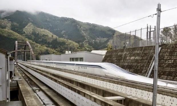 Central Japan Railways har testkört ett maglev-tåg. Med sina sju vagnar kom  tåget upp i den hisnande hastigheten av 603 km tim ... ab99c9aec7446