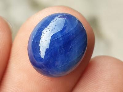 Đá Saphire thiên nhiên Daknong da xanh