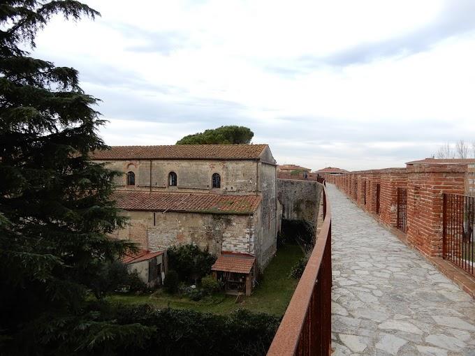 ちょっとマニアックなピサの穴場観光スポット!城壁の上を歩こう