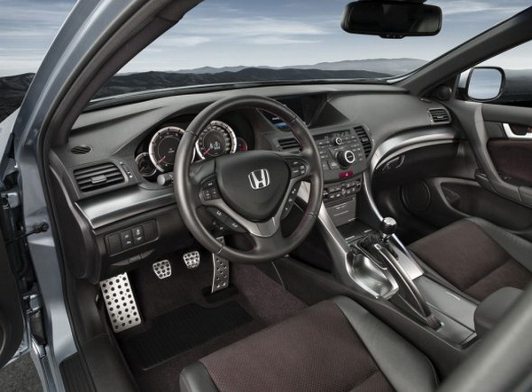 With Enhanced Fuel Economy, Itu0027s Safe To Say That The 2011 Accord Is A  Definite Winner. Here Are Several Of The Specs On The Honda Accord 2011:
