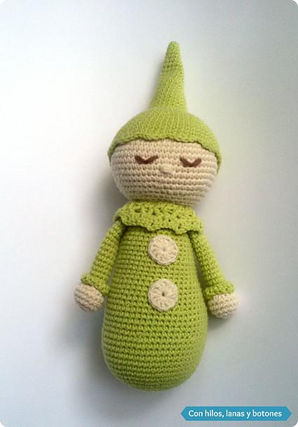 Con hilos, lanas y botones: payasete dormilón amigurumi (patrón gratis)