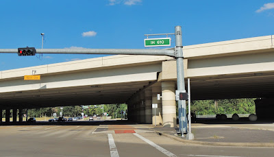 IH 610 West Loop signage