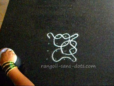 small-rangoli-4-dot-6-b.jpg