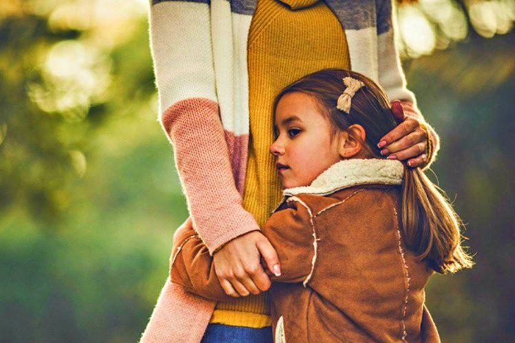 Çocuklarınıza yeterince sevgi göstermemeniz onlarıda sevgilerini gösteremeyen kişilere dönüştürecektir.