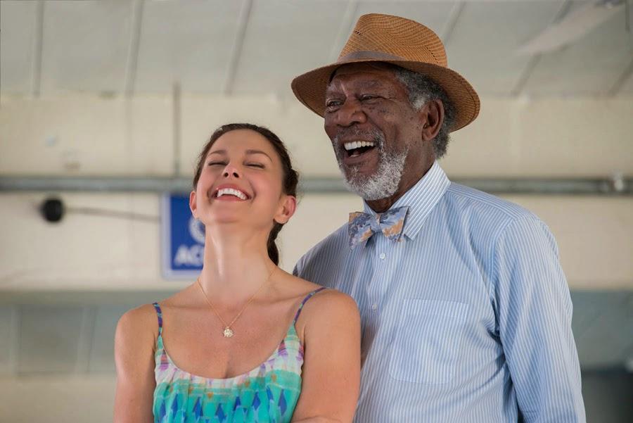Ashley Judd şi Morgan Freeman în Dolphin Tale 2