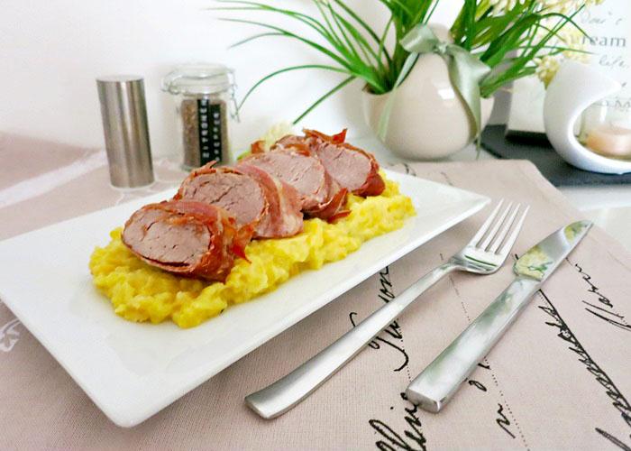 Schweinslungenbraten in Prosciutto mit gelbe-Rüben-Püree