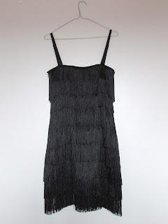 DIY costura: vestido negro con flecos
