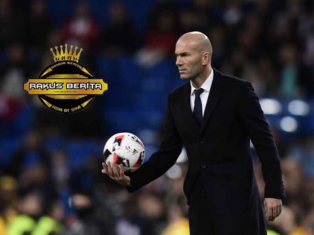 Zidane 'Jadi Pelatih Barca? Hati Saya Tetap Putih !'