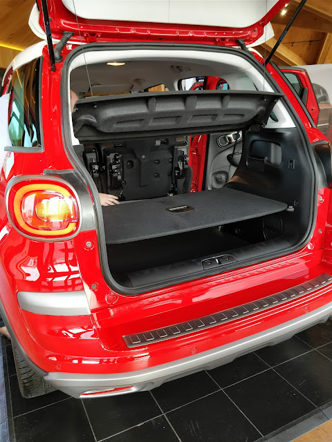 Cargo Magic adjustable load space in the new Fiat 500L