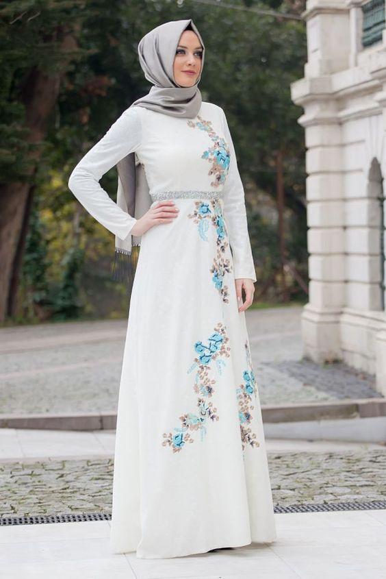 Baju Pesta Putih Muslim