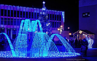 http://fotobabij.blogspot.com/2015/12/puawy-noca-plac-fryderyka-chopina_28.html