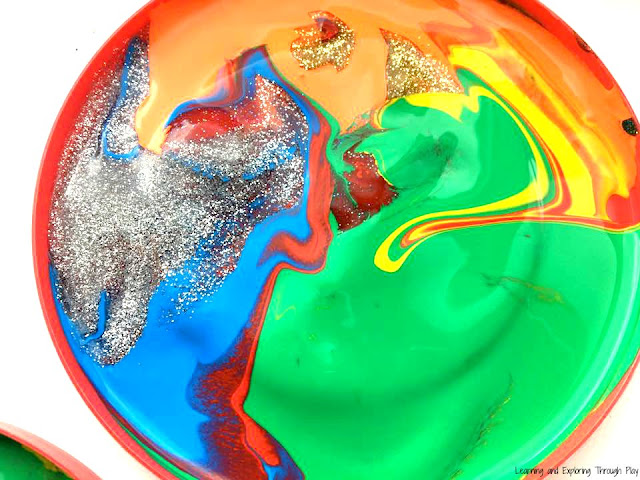 Marbled Lids Process Art - Preschool Painting Ideas - Recycling