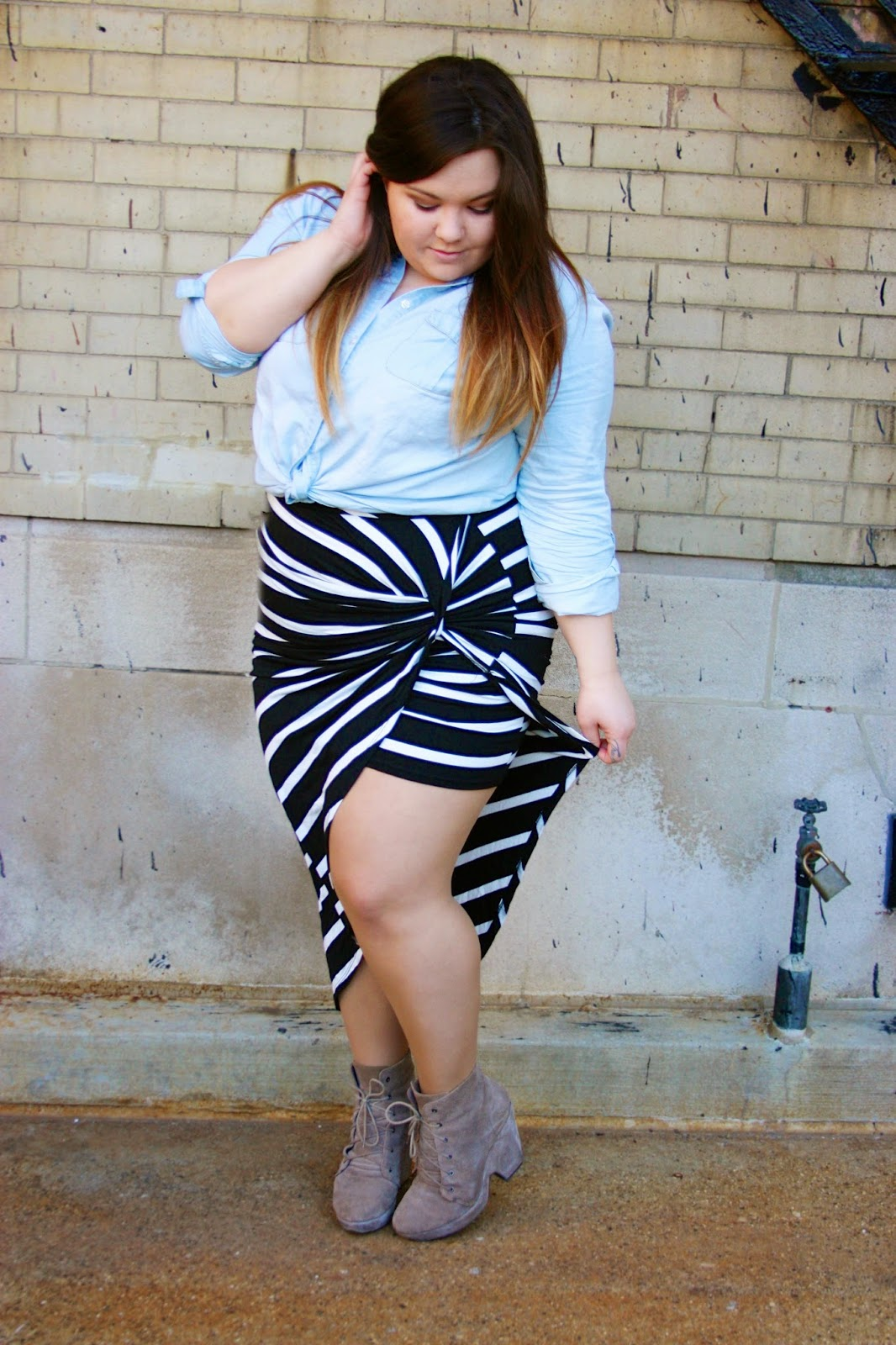 Charlotte Russe, Charlotte Russe plus size clothing line, maxi skirt, asymmetrical maxi, ankle boots, plus size clothing line, natalie craig, natalie in the city, denim button up, chicago, plus size, plus size fashion blogger, heart your selfie, curvy fashionista, fatshion, bbw, unique maxi skirts