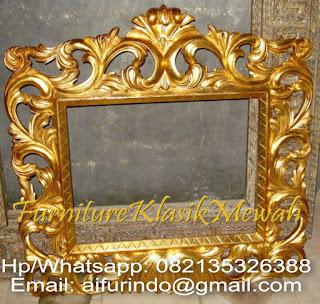 furniture klasik mewah,mebel ukir jepara,kaca cermin ukir,kaca cermin jati,kaca cermin klasik,kaca cermin itali french style