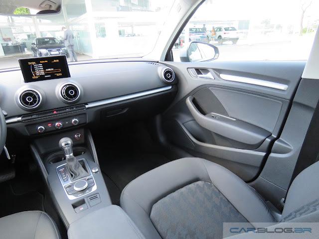 Audi A3 Sedan Flex - 2016 - interior