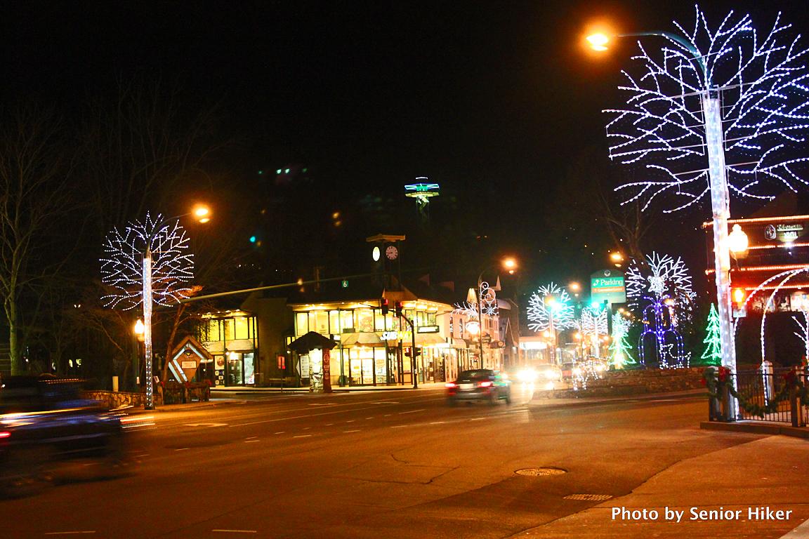 Gatlinburg Christmas.Joyful Reflections Christmas Lights In Gatlinburg Tn