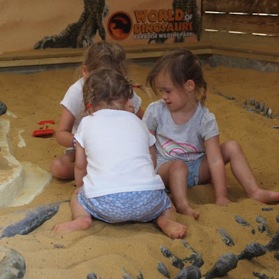 Little palaeontologists in the World of Dinosaurs at Paradise Wildlife Park