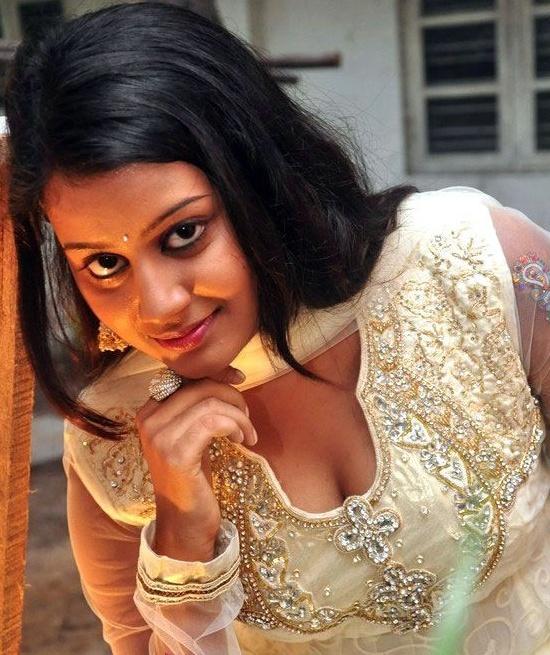 Veena Nair Tv Anchor: TV Serial Actress, Anchors & Models: June 2012
