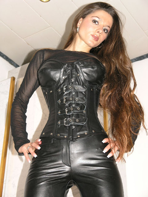 Hot leather granny biker 4