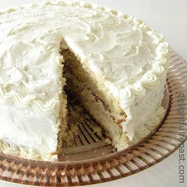 Brown Butter Cake with Brown Butter Frosting / www.delightfulrepast.com