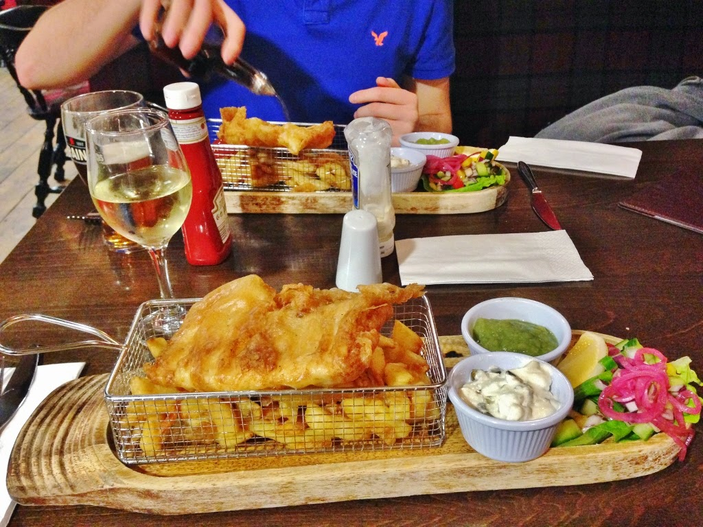 fish and chips pub dinner