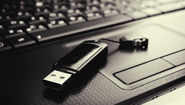كيفية الاقلاع من الفلاش ميموري او CD لتثبيت ويندوز علي جهازك