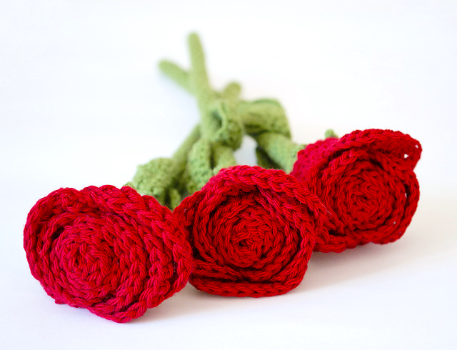 https://www.ravelry.com/patterns/library/roses-8