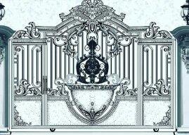 Desain pintu gerbang rumah mewah dengan besi tempa klasik dan ornamen almunium cor