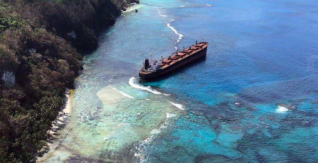 Disastro ambientale alle Isole Salomone per una nave da carico.