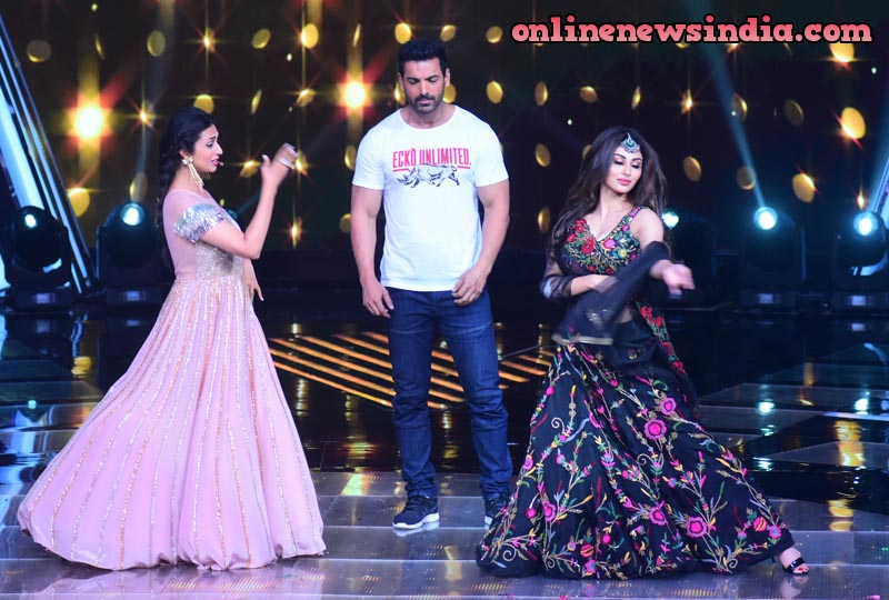 Mouni Roy and Divyanka Tripathi on the set of The Voice