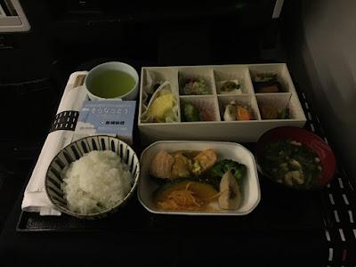今月の機内食は7食| 2016-07 | マイル修行:JAL・JGCの旅
