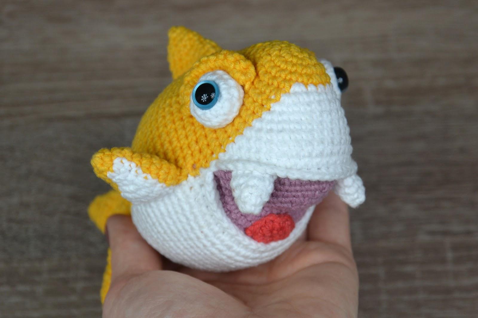 Shark attack! Pattern @vanessamooncie #crochet #shark #amigurumi ... | 1066x1600