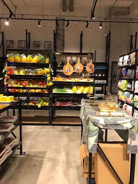 Beli Hadiah Reunion Di DEKKO Melawati Mall hiasan dapur