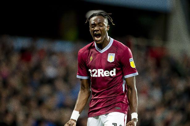 Tương lai của Abraham tùy thuộc định giá khuyến mãi từ Aston Villa