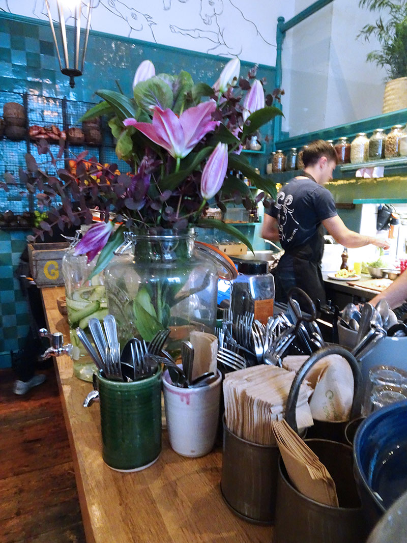 Farm_Girl_Cafe_Brunch_Notting_Hill_Portobello