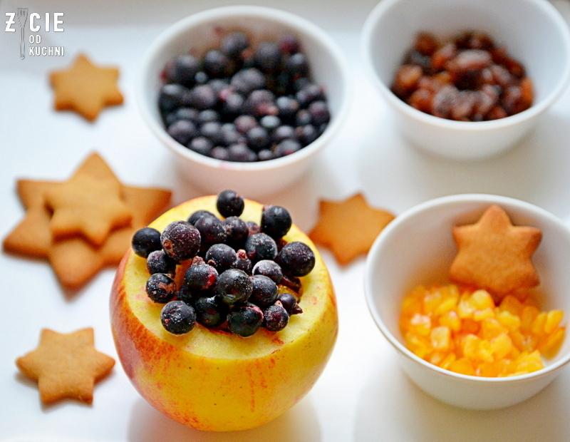 jablka pieczone, przepisy na boze narodzenie, boze narodzenie, swiateczny deser, zimowy deser, jablka z piernikami, porzeczki poltino, czarnr porzeczki mrozone, czarne porzeczki mrozone poltino, deser z piernikami