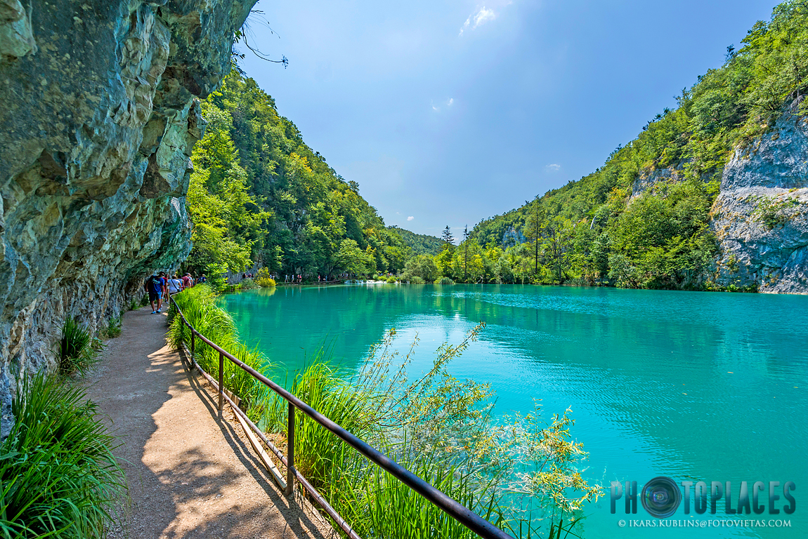 Plitvice lakes - tourist trail between the cliff and lake