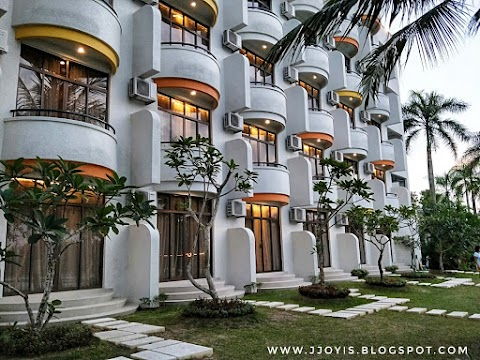 Travel: Harris Resort Waterfront Batam Hotel Review