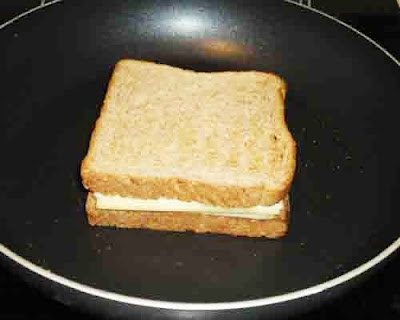 toast till bread slices are crisp