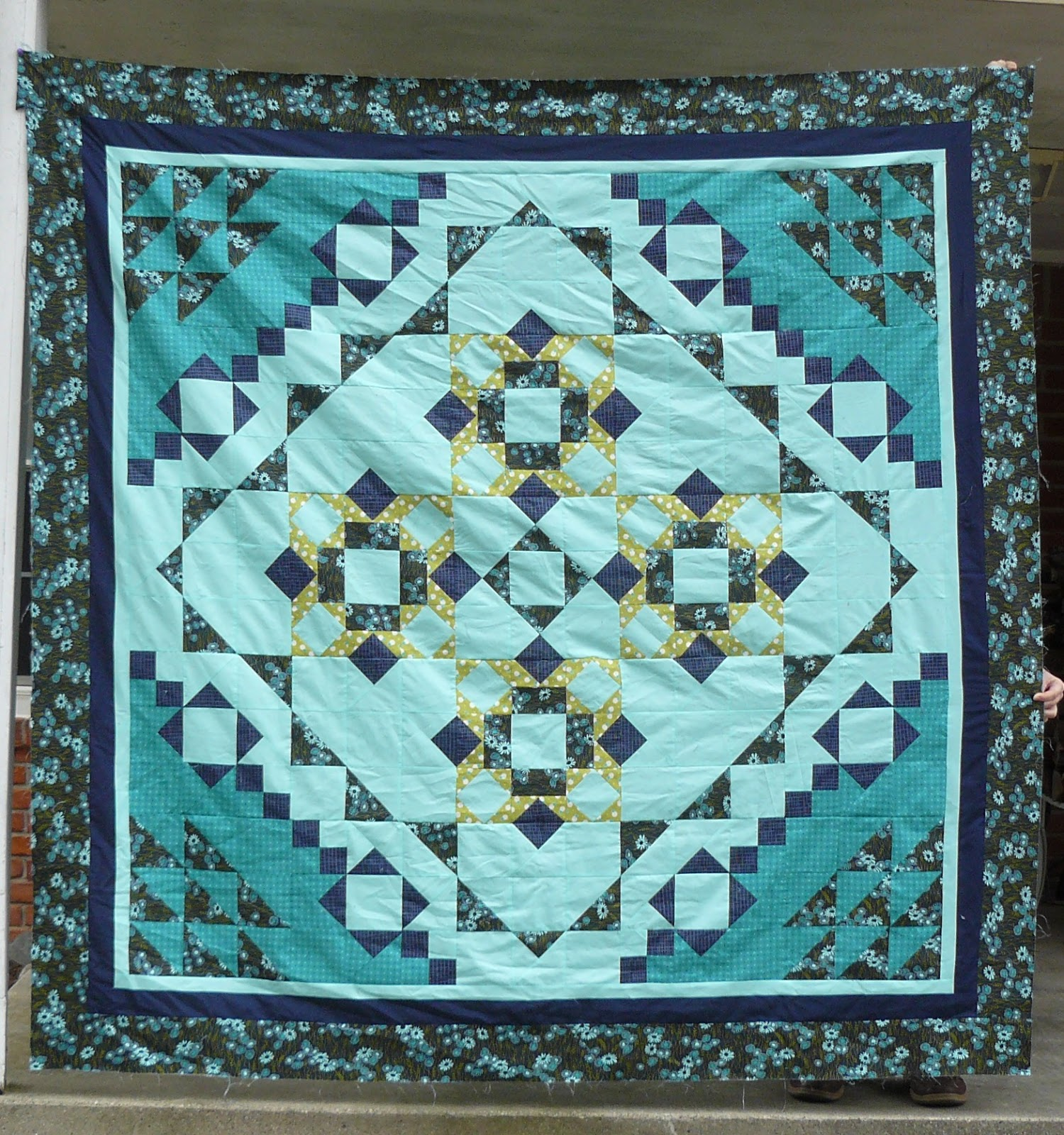 Mystery: Heide's Quilty Hugs: Mystery Quilt
