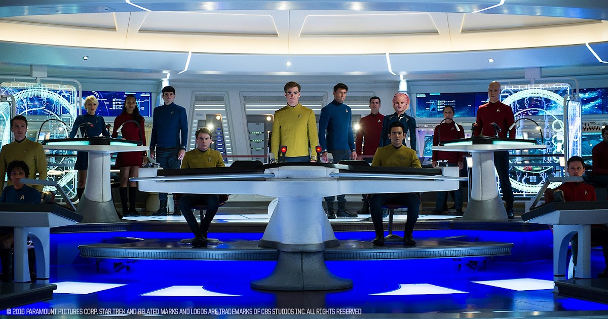 Star+Trek+Beyond+bridge+crew.jpg