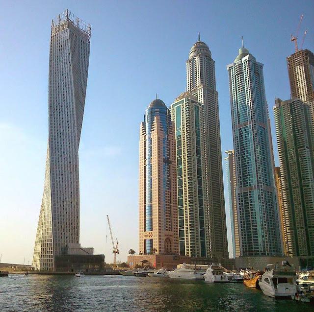 Edifício retorcido mais alto do mundo