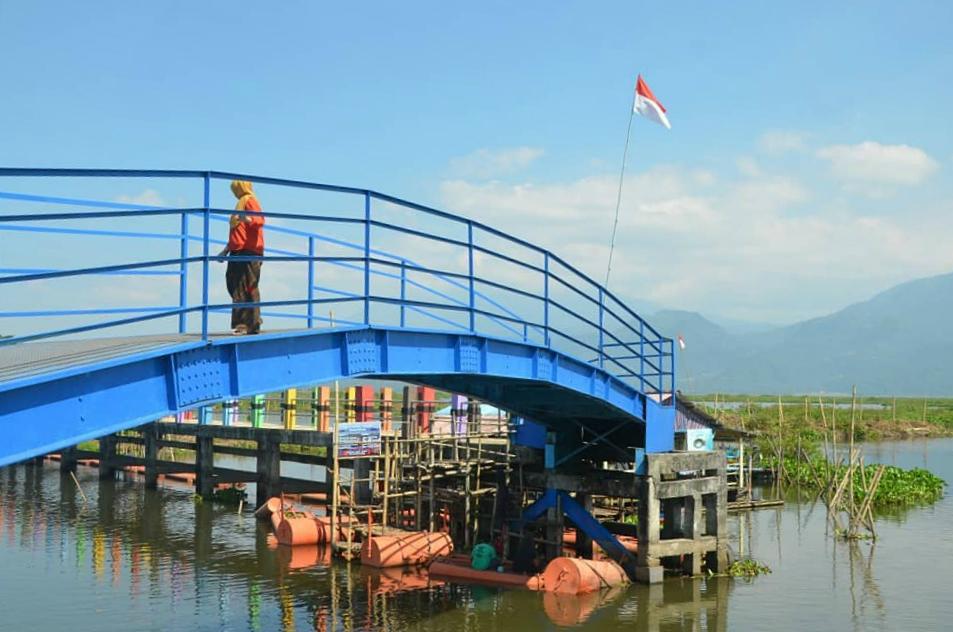 Wisata Jembatan Biru Ambarawa Semarang Travelbos Id