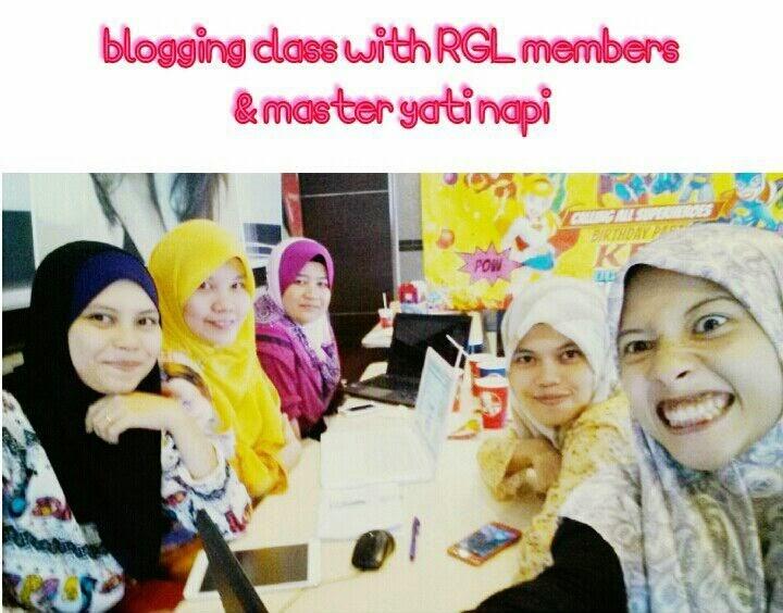 menghadiri kelas blog